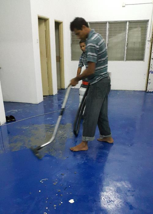 Floor machine cleaning