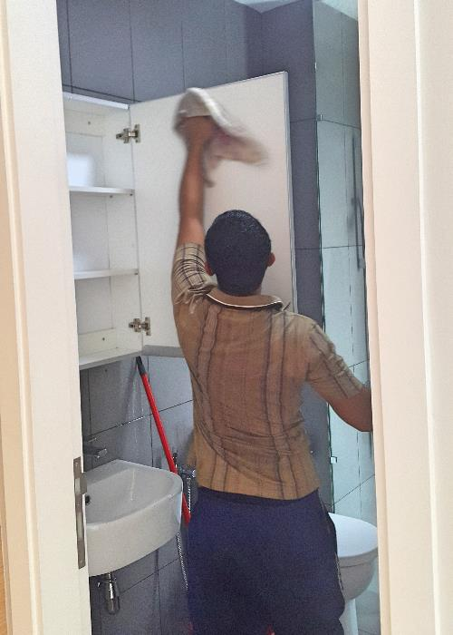 Cabinet wiping